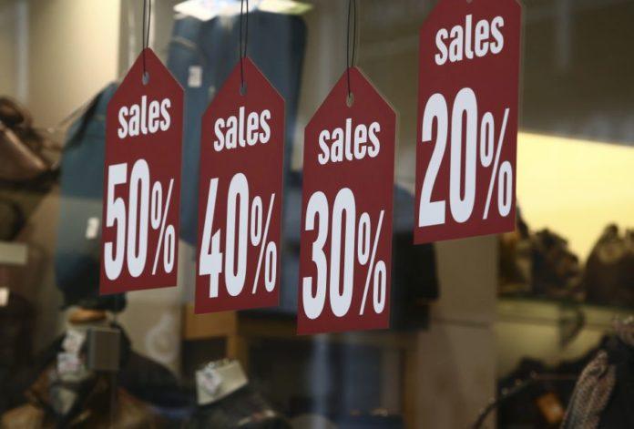 Pocinju velike rasprodaje u grckim prodavnicama