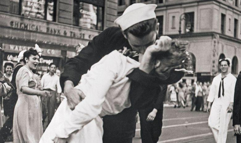Poljubac mornar