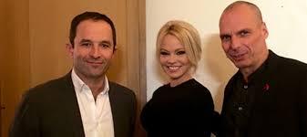 Read more about the article EUROIZBORI : Pamela Anderson podrzava Varufakisa