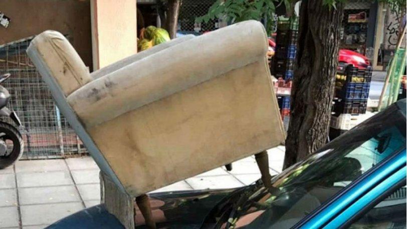 fotelja na autu