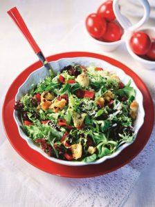 Zelena salata sa paprikama i krutonima