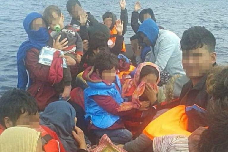 Izbeglička kriza: 18 sati držali brod sa trudnicama na otvorenom moru