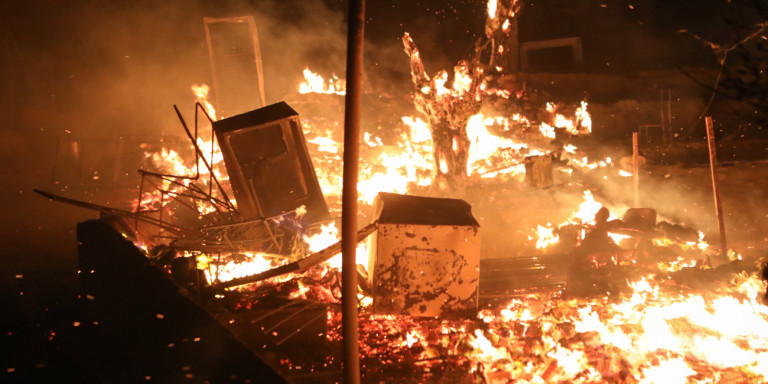Požar u Moriji: Šest mladih Avganistanaca zapalili izbeglički kamp