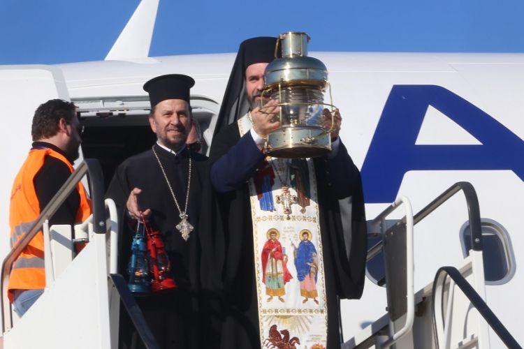 Sveta vatra dolazi avionom iz Jerusalema