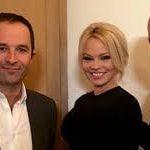 EUROIZBORI : Pamela Anderson podrzava Varufakisa