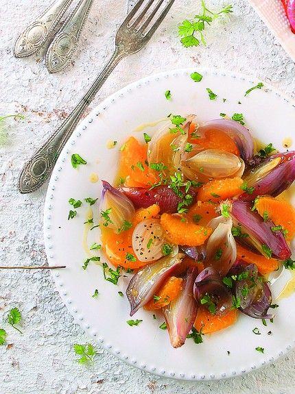 Salata sa pečenim lukom i pomorandžama