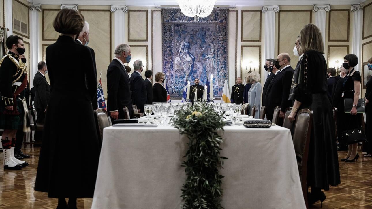 Svečana večera sa 45 vrsta jela u palati grčkog predsednika, dok obični Grci pate u jednom od najstrožijih karantinu koji postoji na svetu u ovom trenutku